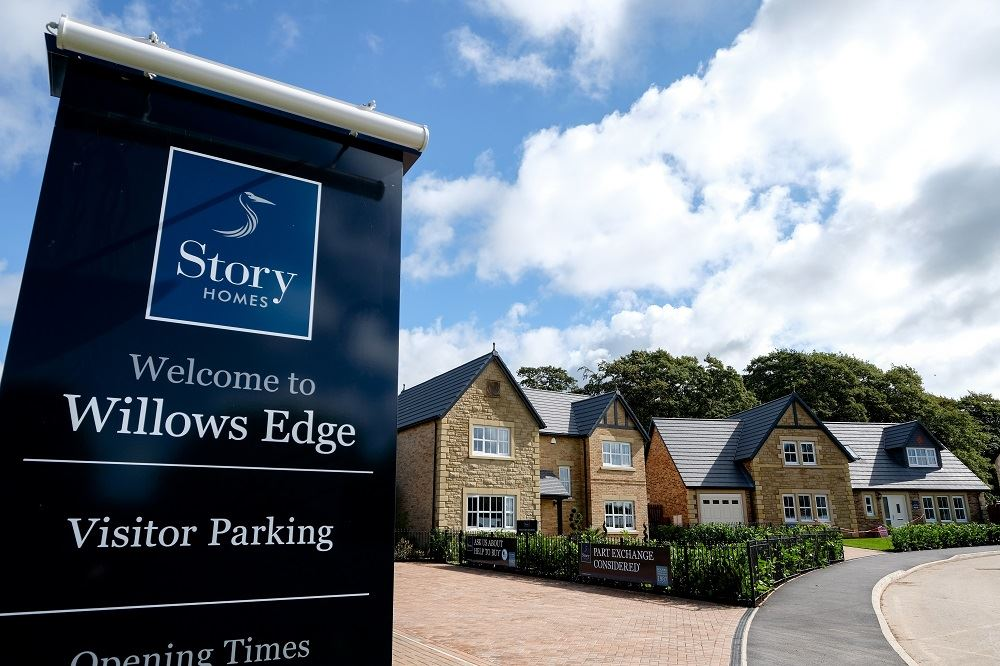 willows-edge-signage-and-show-home-x-1000